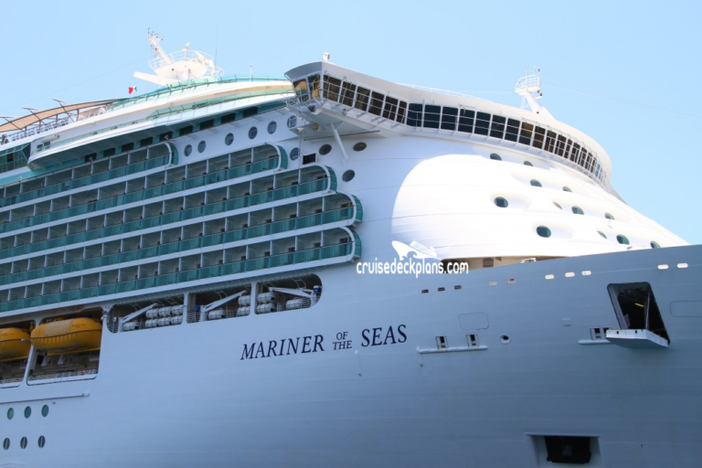 Mariner of the Seas a dique seco en astillero Navantia.